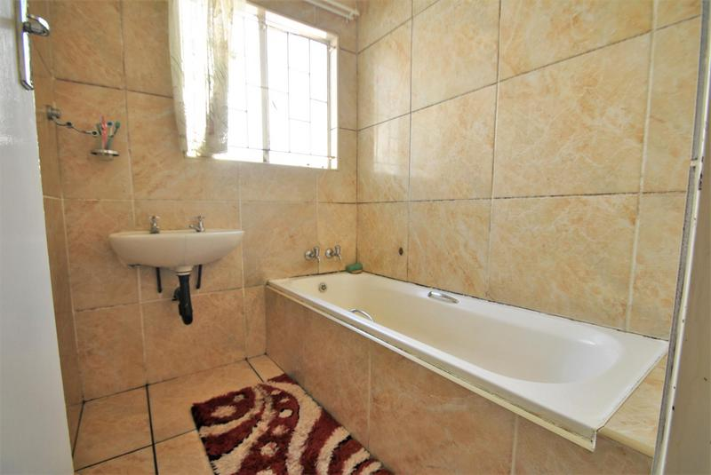 Property For Sale in Ormonde, Johannesburg 15