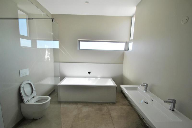 Property For Sale in Bassonia, Johannesburg 30