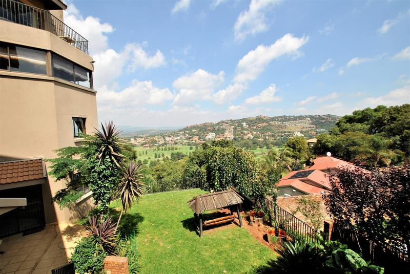 Property For Sale in Bassonia, Johannesburg 16