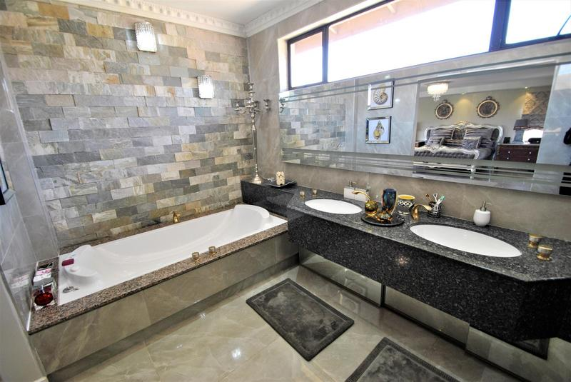 Property For Sale in Bassonia, Johannesburg 47