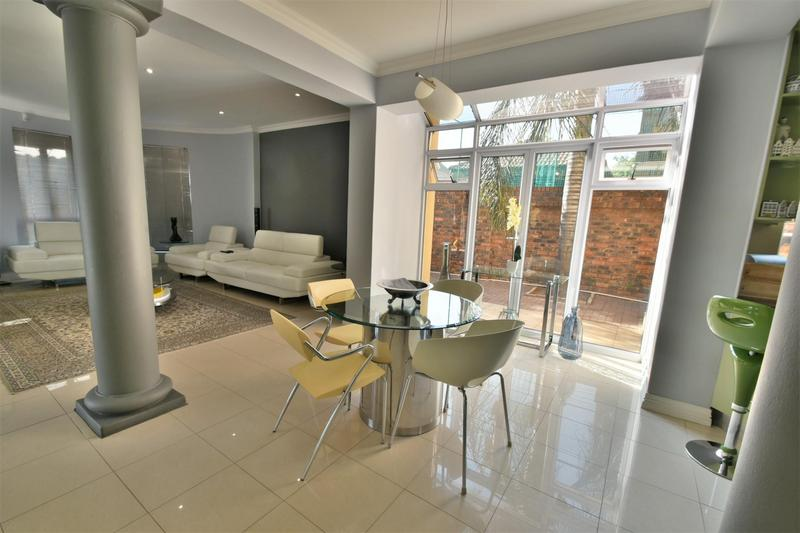 Property For Sale in Bassonia, Johannesburg 7