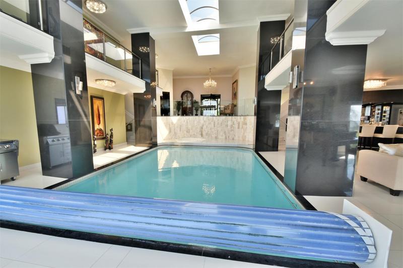 Property For Sale in Glenvista, Johannesburg 32