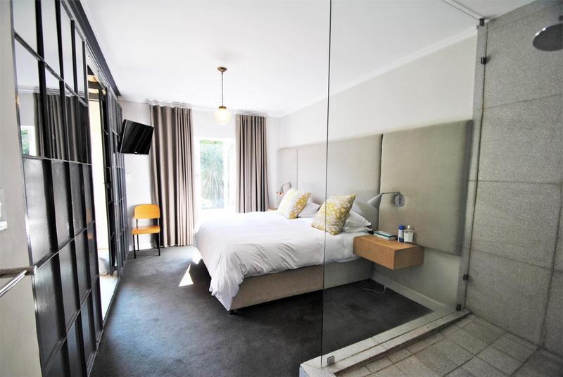 Property For Sale in Melrose North, Johannesburg 11