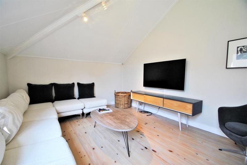 Property For Sale in Melrose North, Johannesburg 17