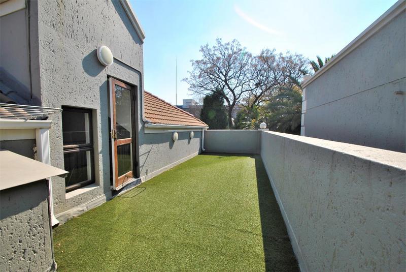 Property For Sale in Melrose North, Johannesburg 18