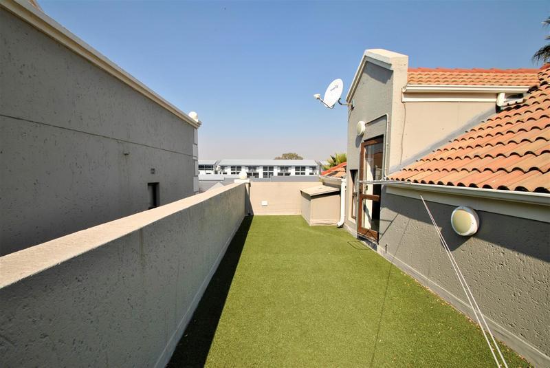 Property For Sale in Melrose North, Johannesburg 19