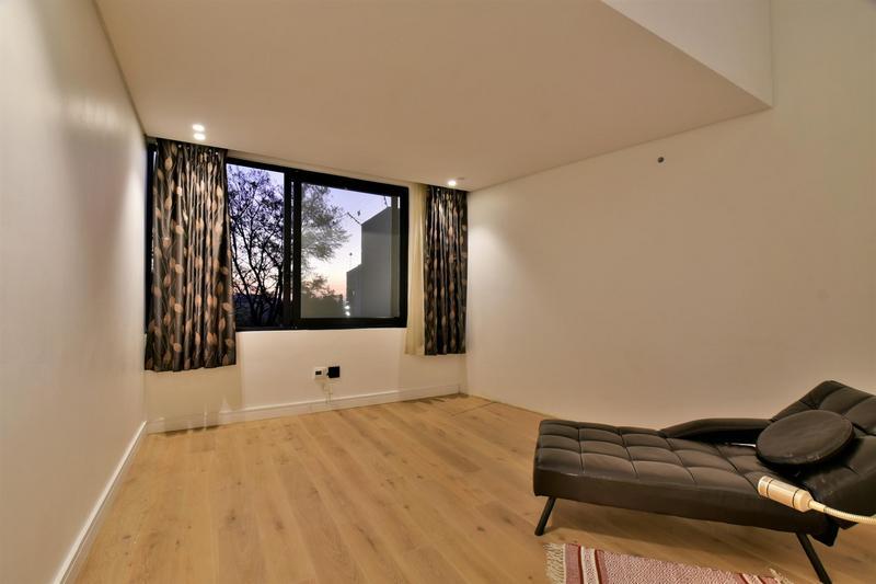 Property For Sale in Glenvista, Johannesburg 39