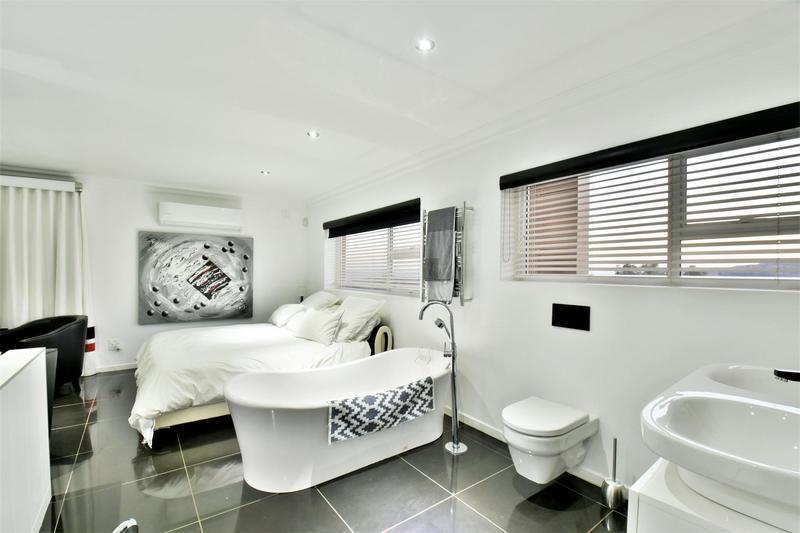 Property For Sale in Glenvista, Johannesburg 52
