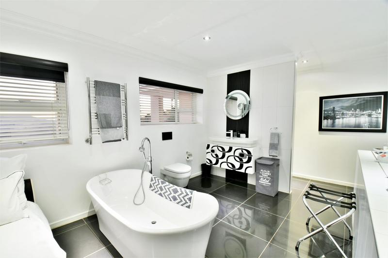 Property For Sale in Glenvista, Johannesburg 54