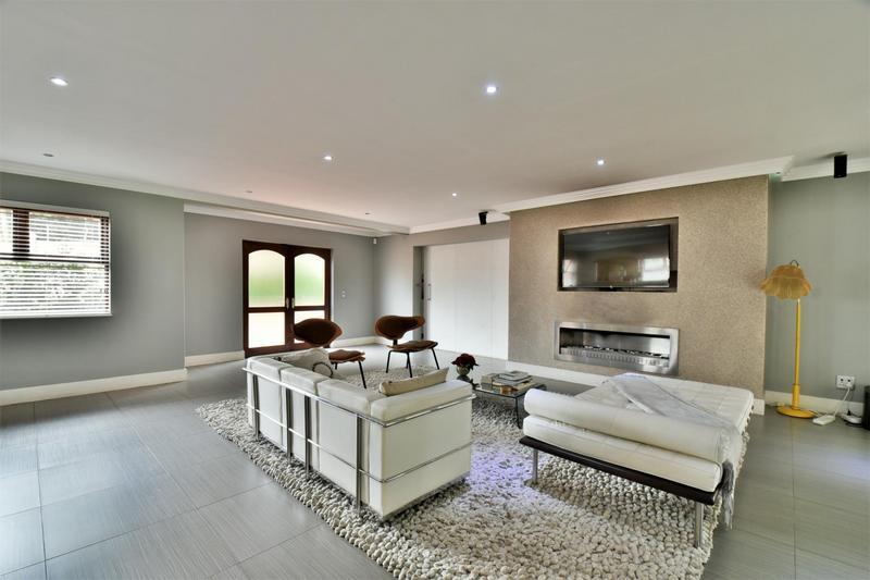 Property For Sale in Sandhurst, Sandton 8