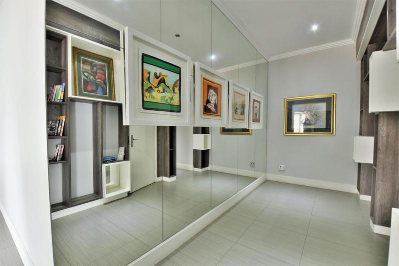 Property For Sale in Sandhurst, Sandton 13