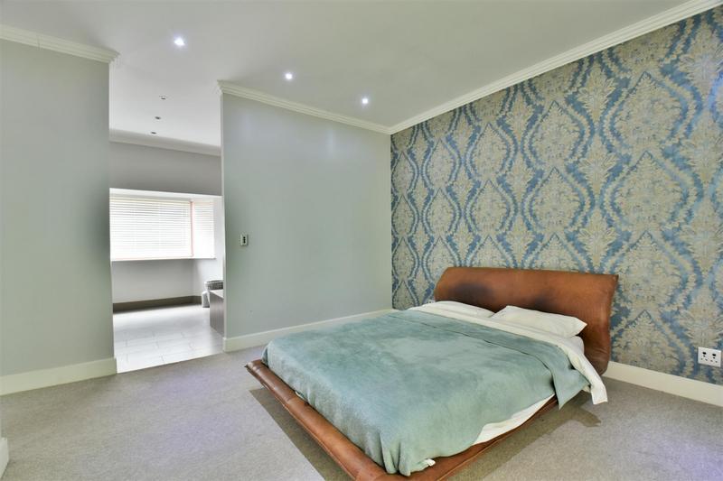 Property For Sale in Sandhurst, Sandton 23