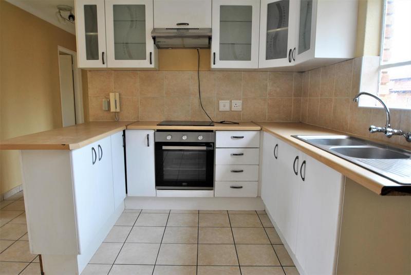 Property For Sale in Liefde En Vrede, Johannesburg 3