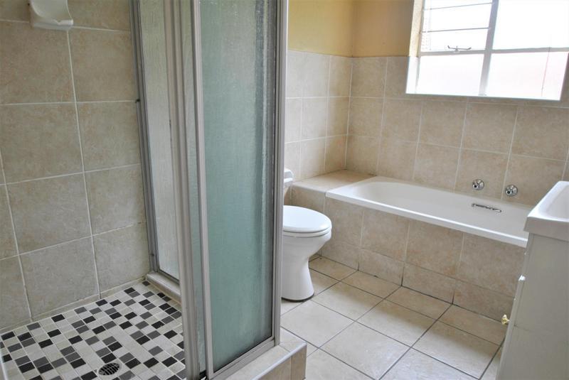 Property For Sale in Liefde En Vrede, Johannesburg 12