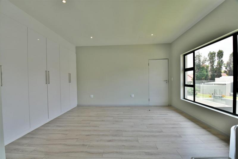 Property For Sale in Bedfordview, Bedfordview 21