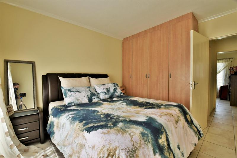 Property For Sale in Meredale, Johannesburg 10