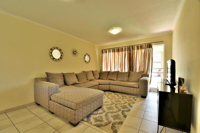 Property For Sale in Meredale, Johannesburg 2