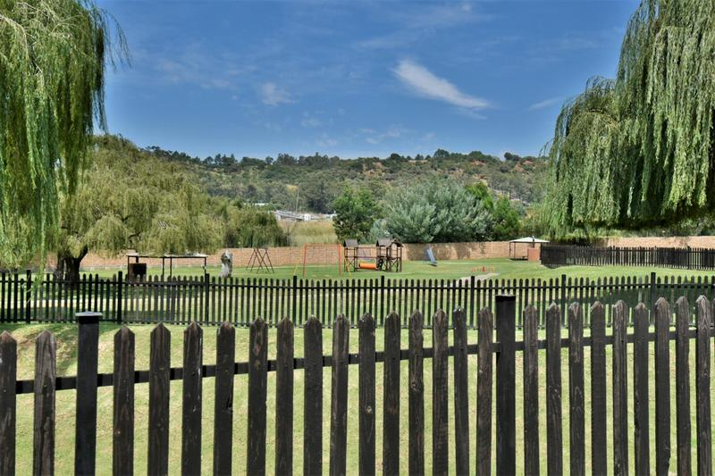 Property For Sale in Meredale, Johannesburg 14
