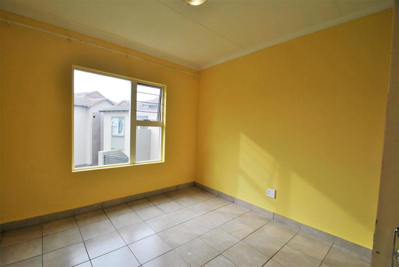 Property For Sale in Meredale, Johannesburg 6