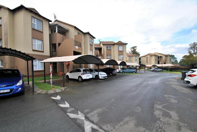 Property For Sale in Meredale, Johannesburg 18