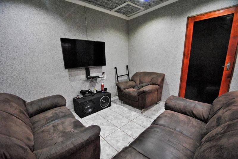 Property For Sale in Dawn Park, Boksburg 14
