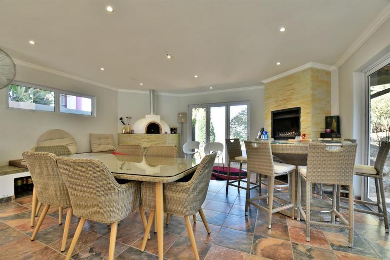 Property For Sale in Glenvista, Johannesburg 24