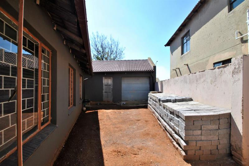 Property For Sale in Lawley, Johannesburg 8