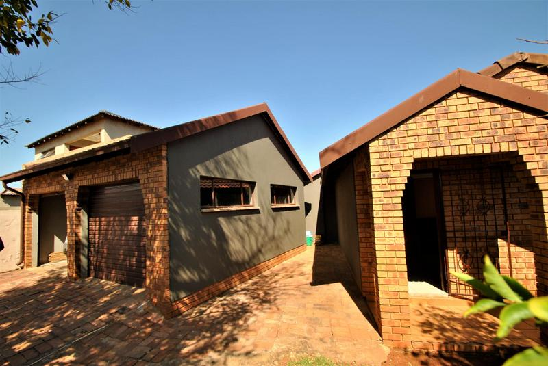 Property For Sale in Lawley, Johannesburg 2
