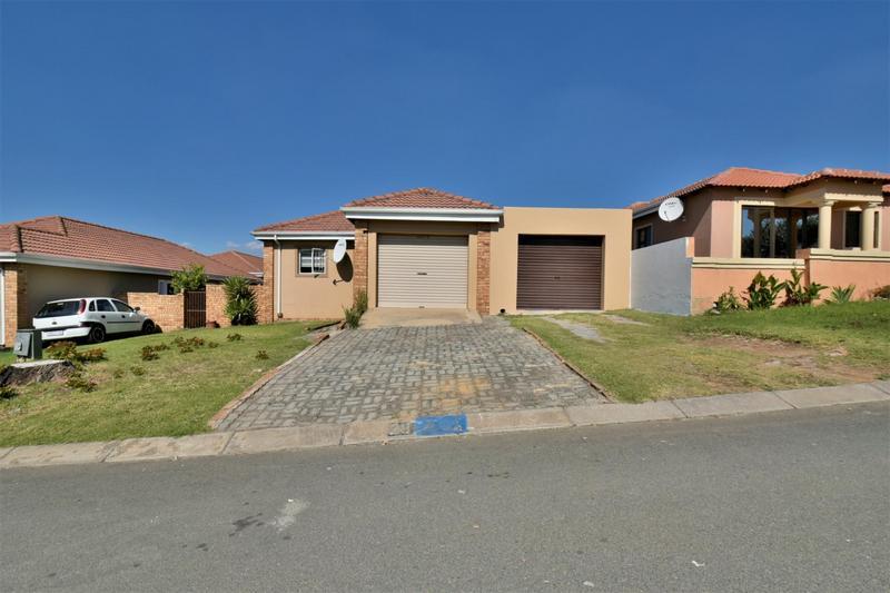 Property For Sale in Roseacre, Johannesburg 19