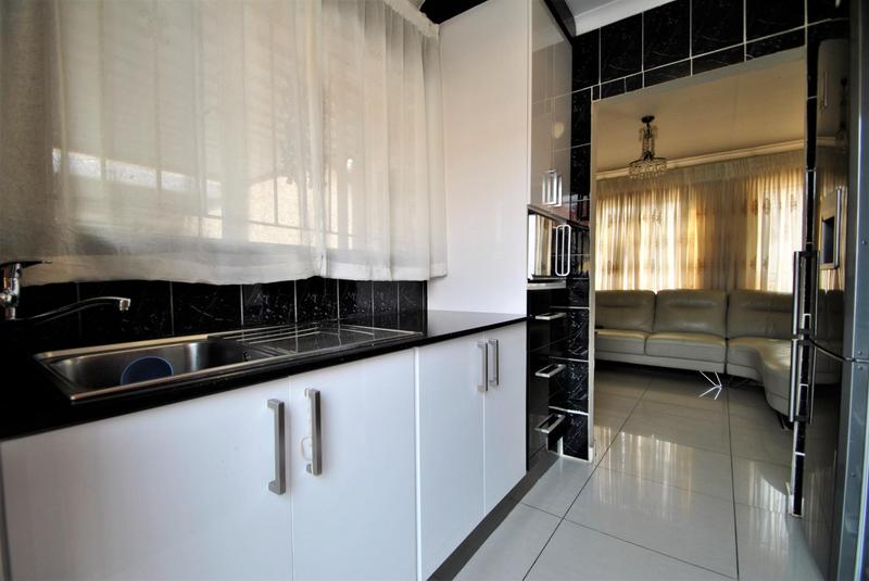 Property For Sale in Ormonde, Johannesburg 3