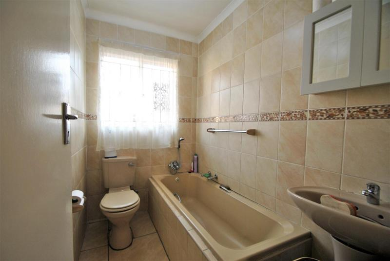Property For Sale in Ormonde, Johannesburg 10