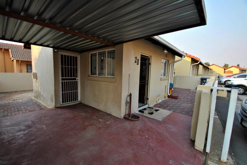 Property For Sale in Ormonde, Johannesburg 12