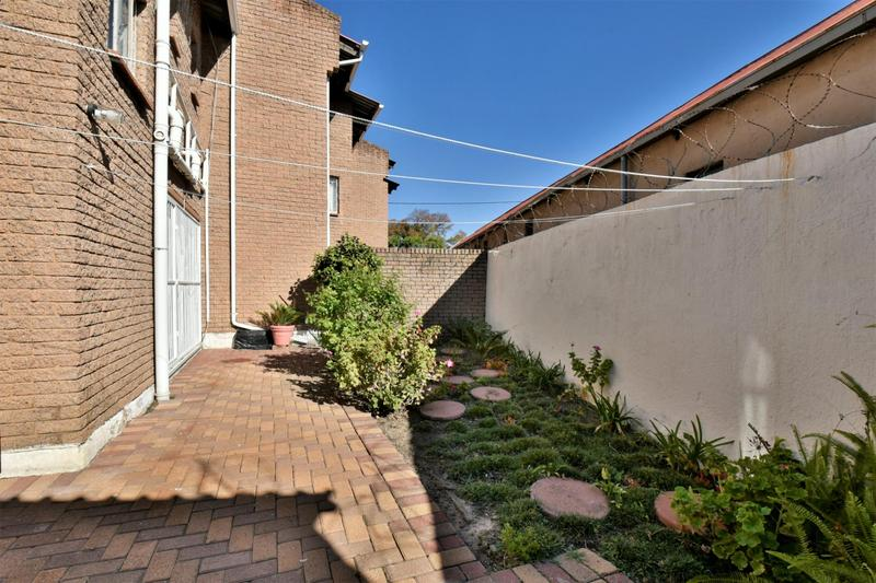 Property For Sale in Forest Hill, Johannesburg 14