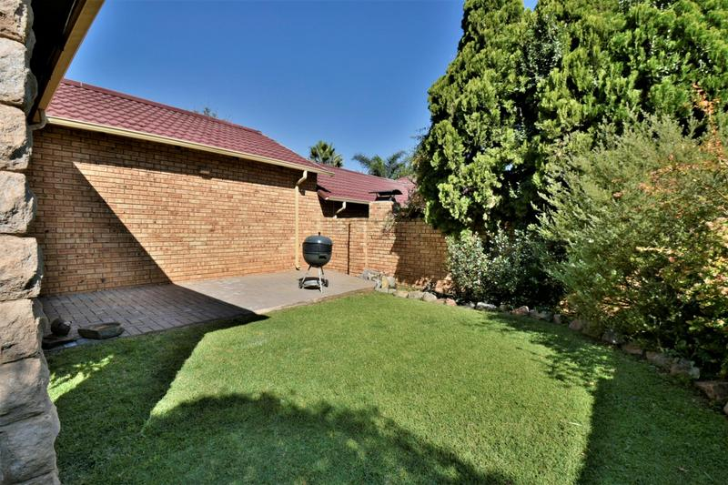 Property For Sale in Craigavon, Sandton 9