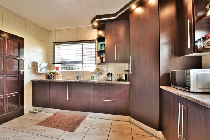 Property For Sale in Suideroord, Johannesburg 4