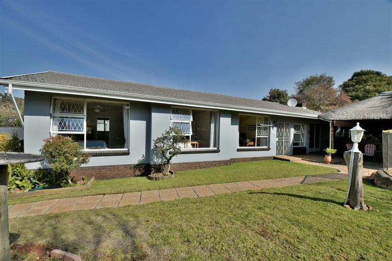 Property For Sale in Mondeor, Johannesburg 4