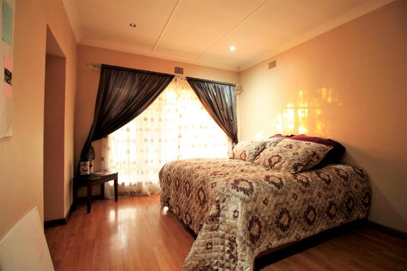 Property For Sale in Risiville, Vereeniging 10