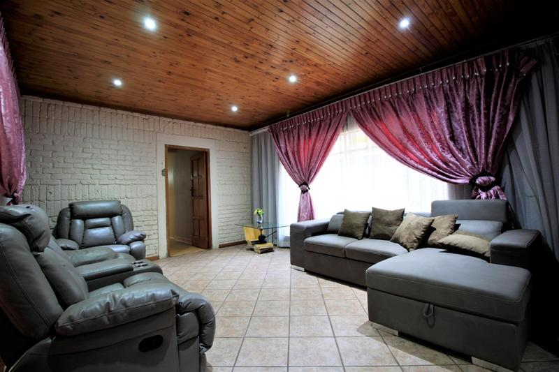 Property For Sale in Risiville, Vereeniging 16