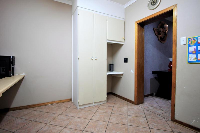 Property For Sale in Risiville, Vereeniging 22