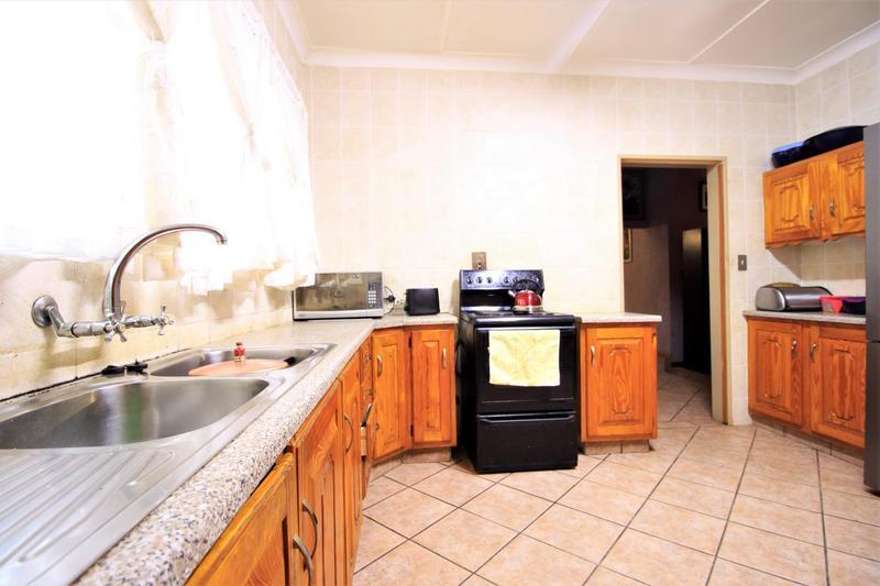 Property For Sale in Risiville, Vereeniging 20