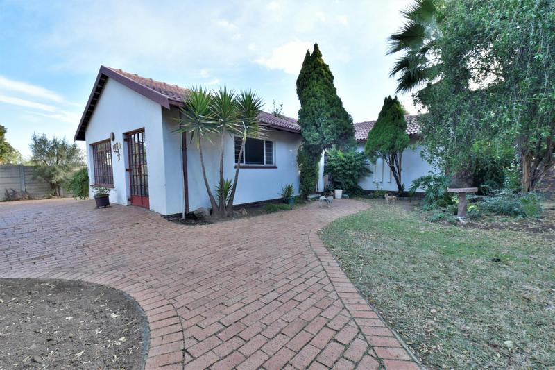 House For Sale in Brackenhurst, Alberton