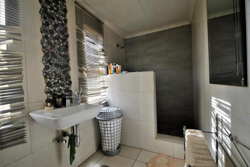 Property For Sale in Lenasia South, Johannesburg 11