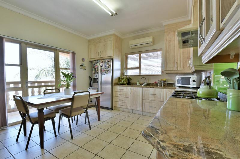 Property For Sale in Bassonia, Johannesburg 12