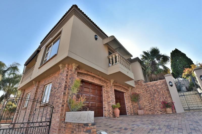 Property For Sale in Bassonia, Johannesburg 42