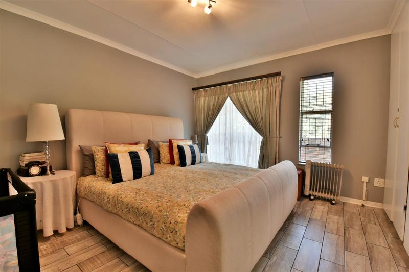 Property For Sale in Bassonia, Johannesburg 13