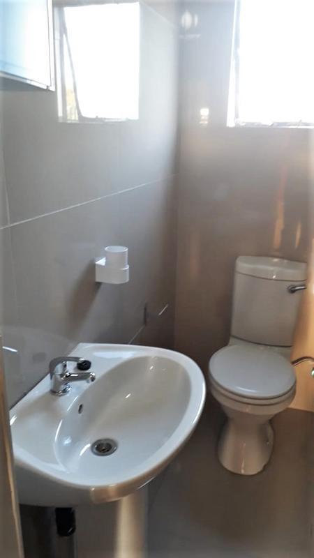 Property For Sale in Chloorkop, Kempton Park 8