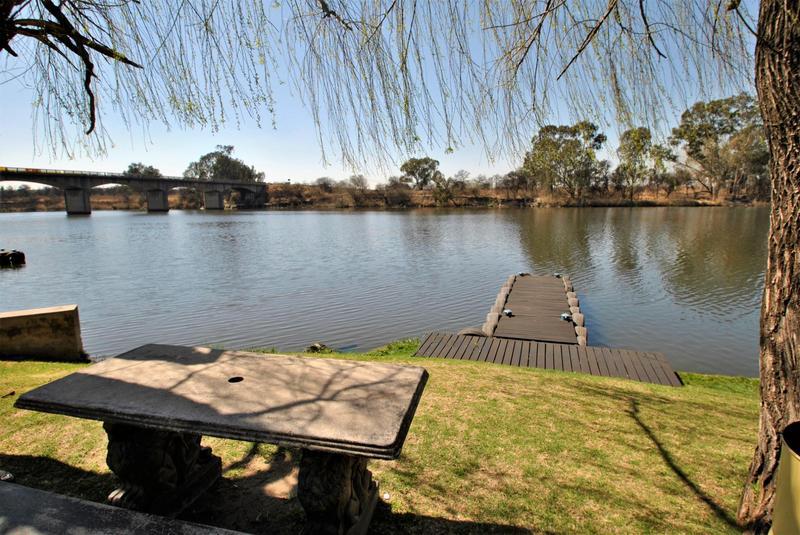 Property For Sale in Riverspray Lifestyle Estate, Vereeniging 41
