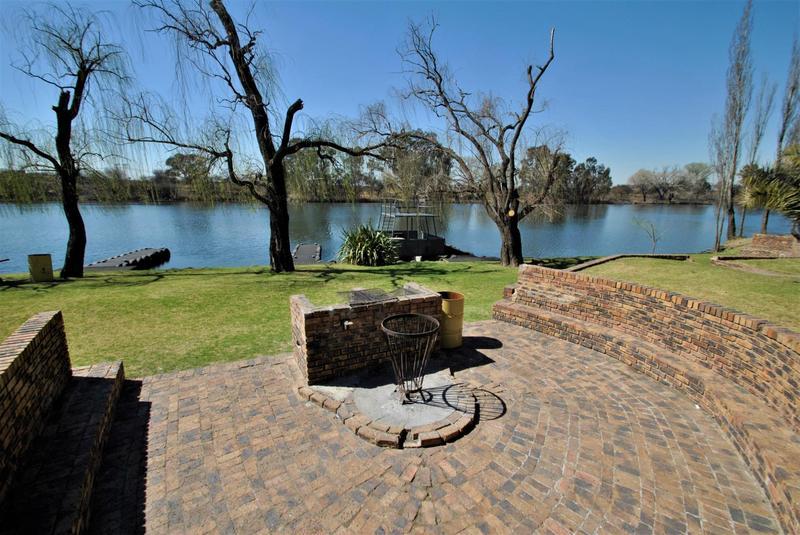 Property For Sale in Riverspray Lifestyle Estate, Vereeniging 43