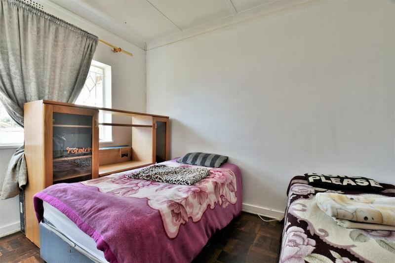 Property For Sale in Sandringham, Johannesburg 11
