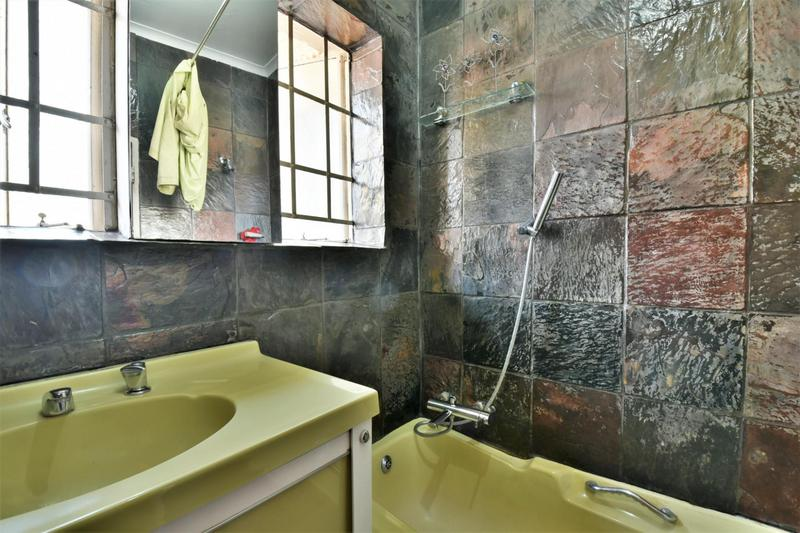 Property For Sale in Sandringham, Johannesburg 13
